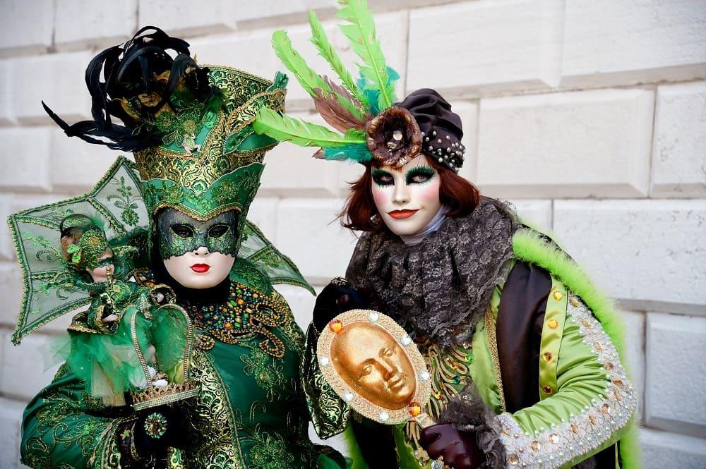 Карнавальные костюмы бывают очень яркими / © leo2014 / Pixabay