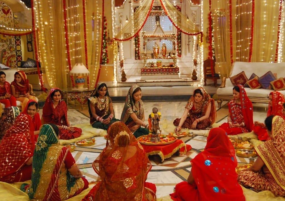 Время после поста женщины предпочитают проводить вместе с семьей и подругами / indiamarks.com
