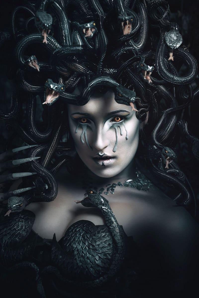 Богиня Мегера одна из Эриний