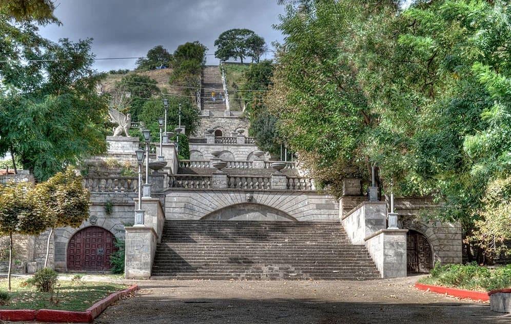 Митридатская лестница до реставрации