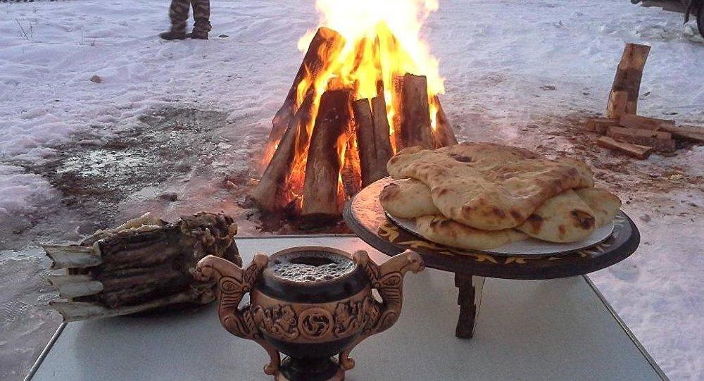 В Осетии в этот день принято разжигать костёр