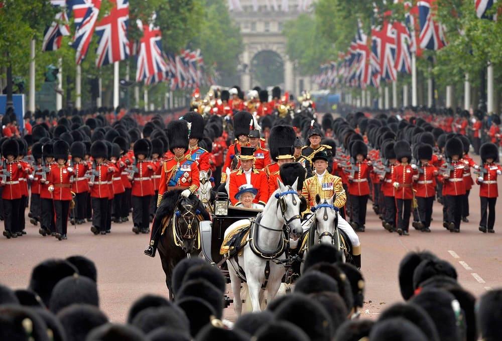 Парад в день рождения королевы в Лондоне