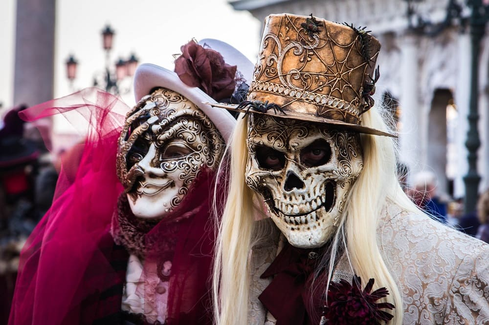 Современные веянья в моде карнавала / © Ruth Archer / Pixabay