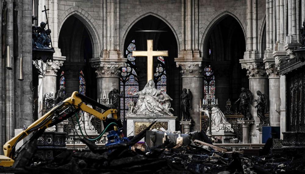 В соборе Нотр-Дам после пожара / PHILIPPE LOPEZ / AFP / East News