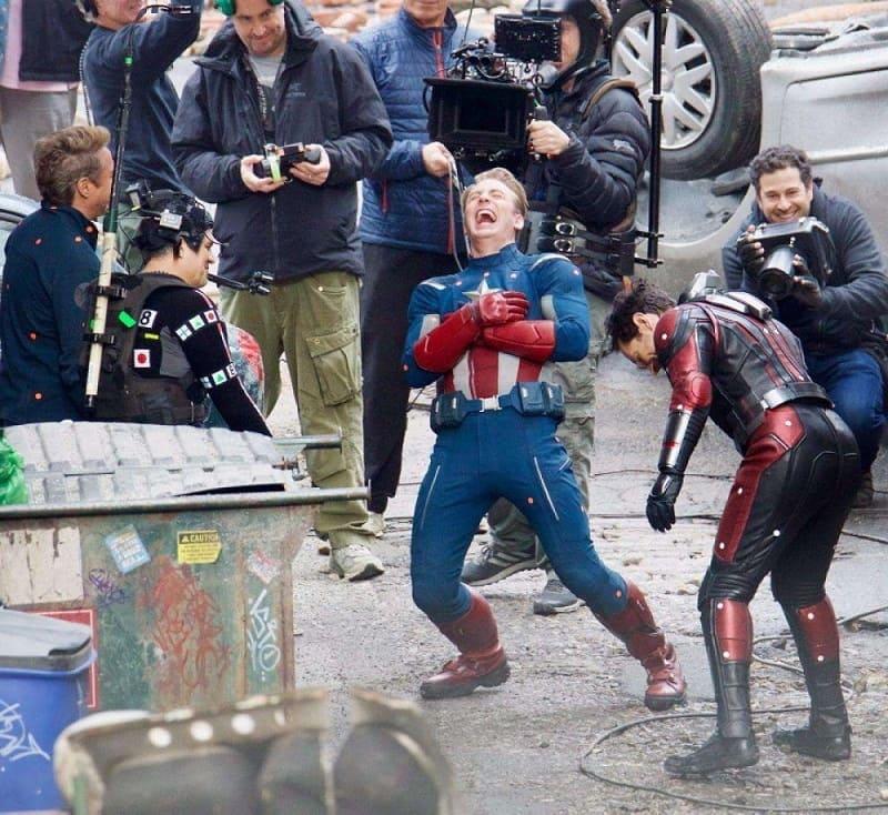 Крис Эванс на сьемках «Мстителей»