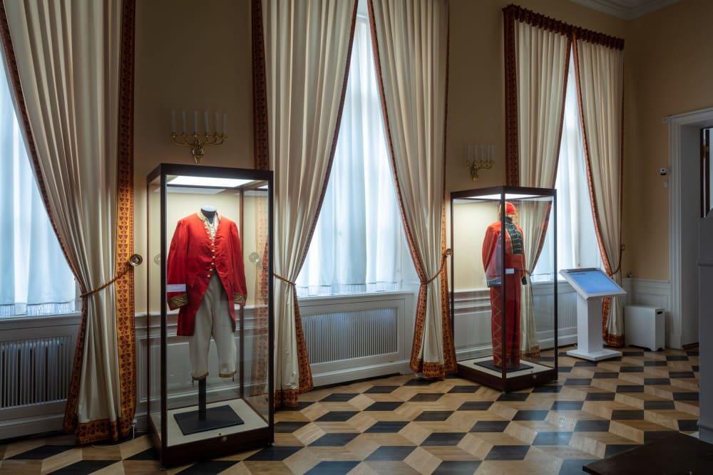 Часть зала отреставрированного Екатерининского корпуса / peterhofmuseum.ru