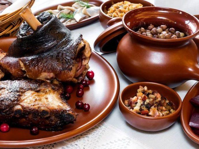Свиная рулька - одно из популярнейших национальных блюд латышей / russianglobal.com