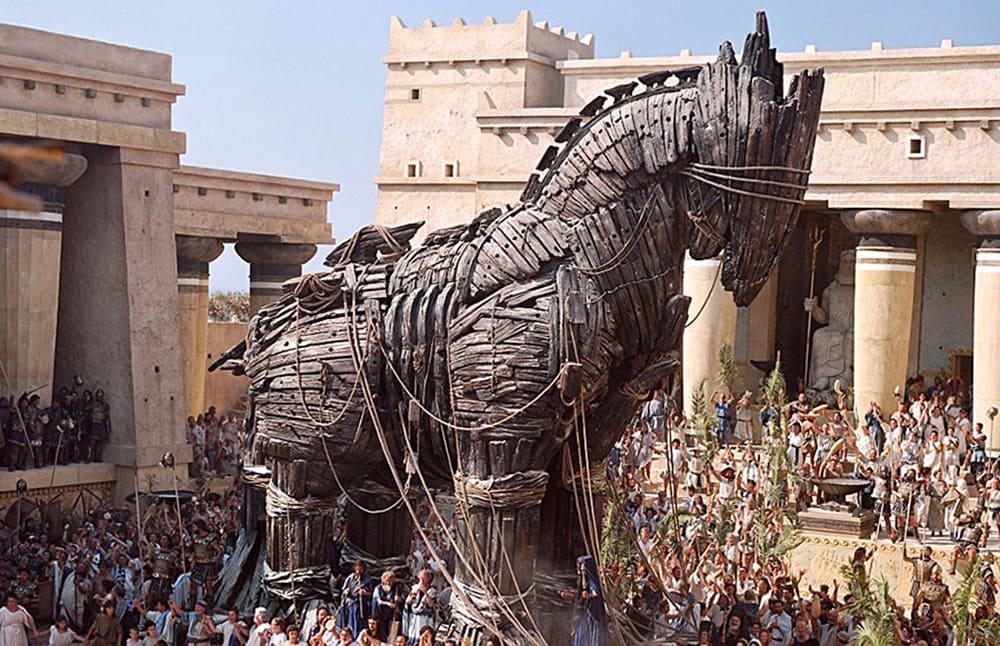 Идея взять Трою с помощью деревянного коня принадлежала Одиссею