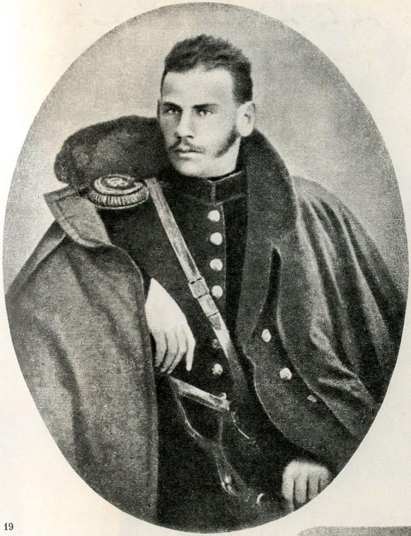 Артиллерийский офицер Лев Толстой во время Крымской войны