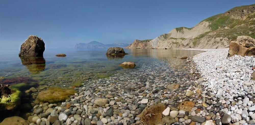 Чаще всего куриного бога можно найти на берегу моря / © Viton / photocentra.ru