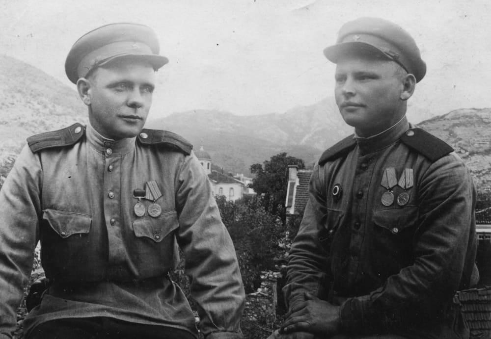 Гимнастёрка - это одежда, которая прошла с советским солдатом всю войну.