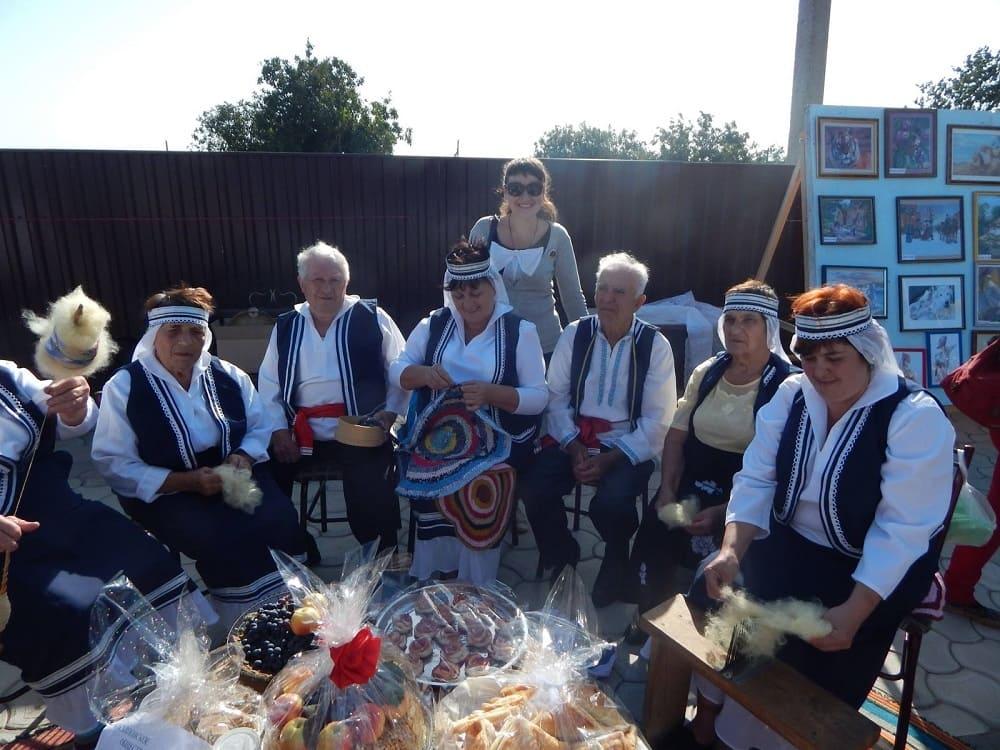 Греческие женщины - это умелые хозяйки, чтущие традиции своего народа / azov-greeks.blogspot.com