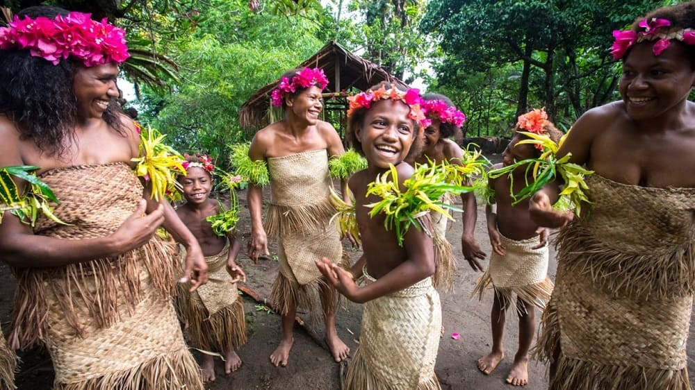 Меланезийцы - это весёлые и дружелюбные люди, которые,к тому же, любят фотографироваться / cbsmedia.ru