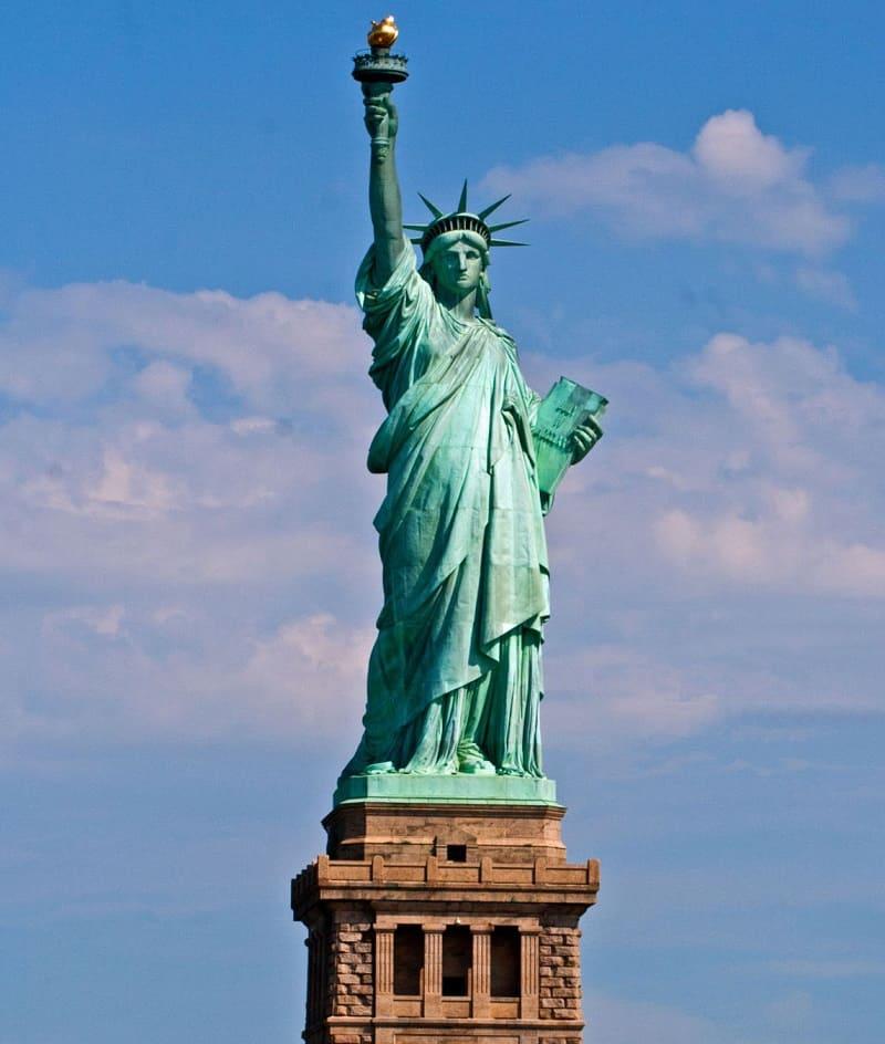 Младшая сестра Колосса - статуя Свободы в США, созданная скульптором Огюстом Бертольди / vasuan.com