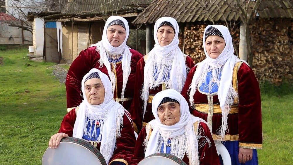 Народные песни в исполнении группы «Бабушки» популярны среди талышей / stevehollier.wordpress.com