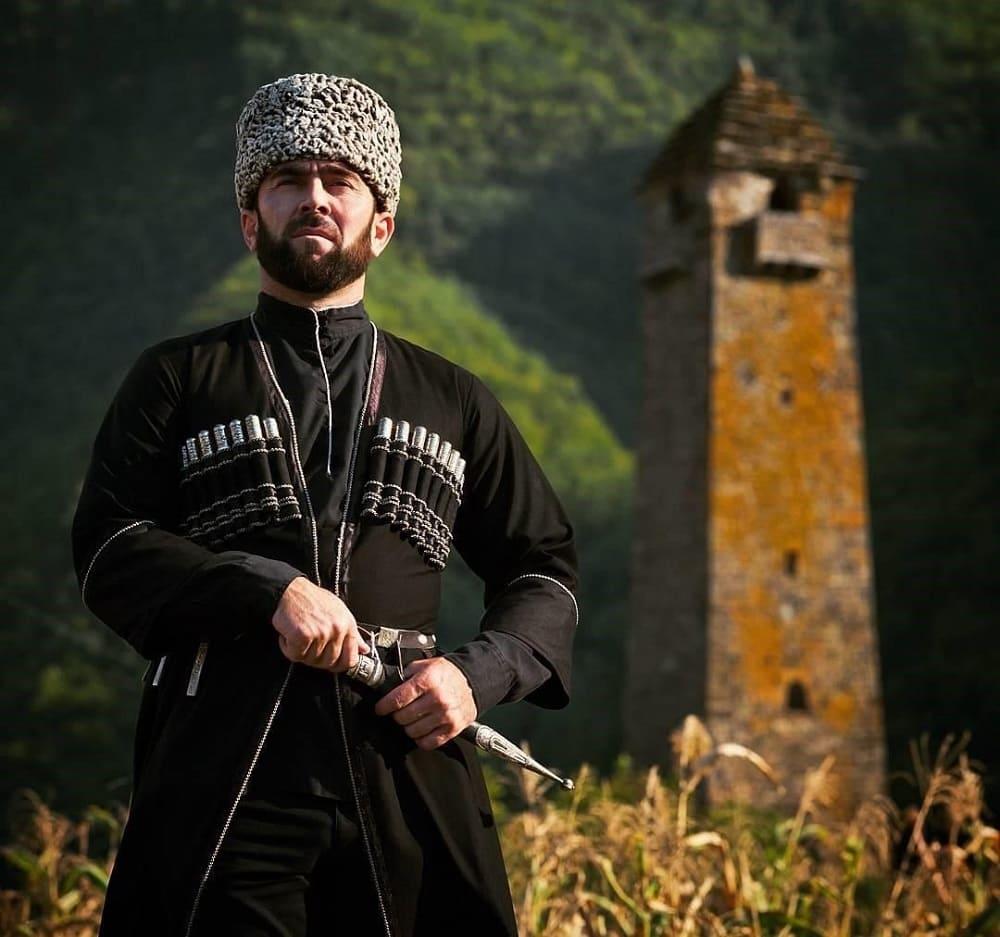 Национальная ингушская одежда / almode.ru