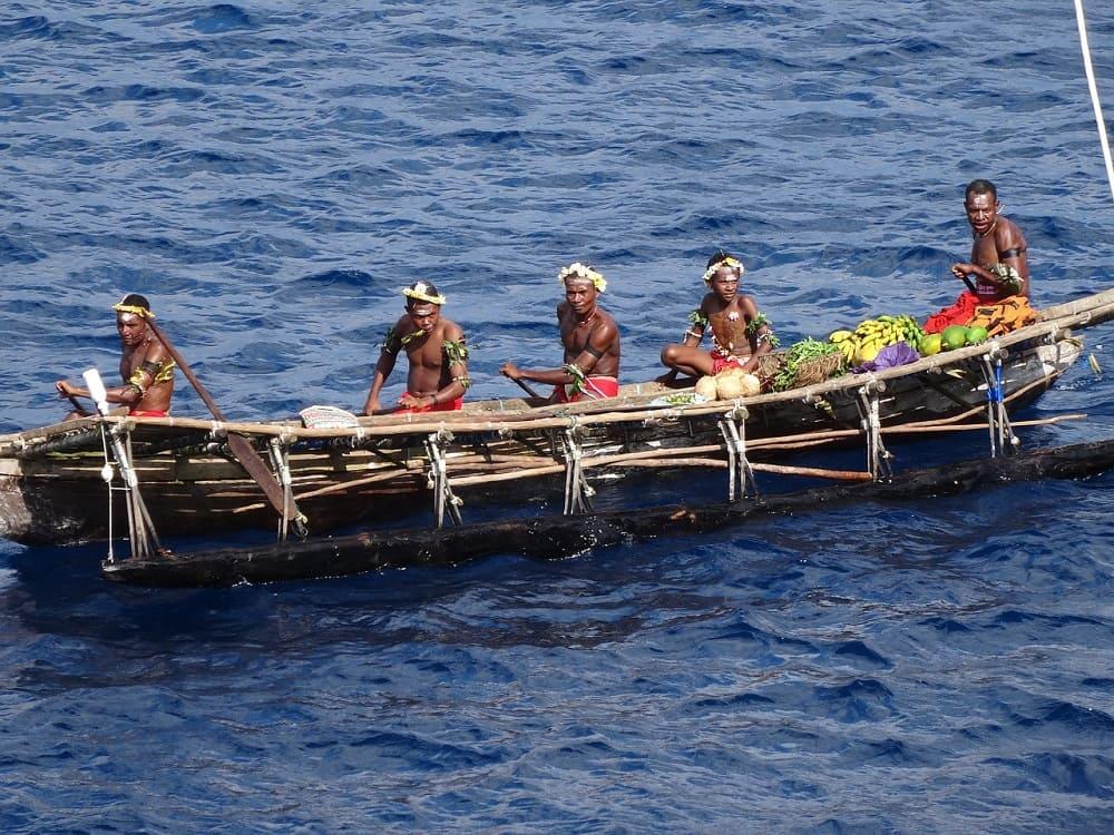 Плавание на каноэ во все времена требовало незаурядной подготовки / zaks.ru