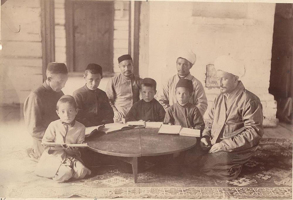 Сибирские татары в магометанском училище / из фондов ТИАМЗ, Тобольск, Россия
