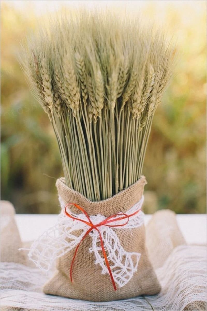 Букет из пшеницы, срезанной 12 июля, обладает особенной волшебной силой / mykaleidoscope.ru