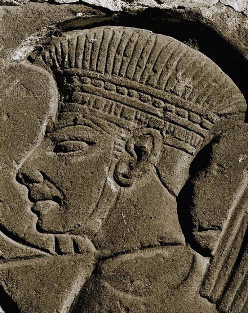 Филистимский воин, изображенный на стенах Луксорского храма в Египте, ок. XII века до н.э.