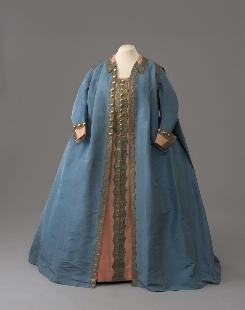 Мундирное платье Екатерины II по форме лейб гвардии Конного полка, 1776 год Местонахождение: Государственный Эрмитаж, Санкт-Петербург, Россия