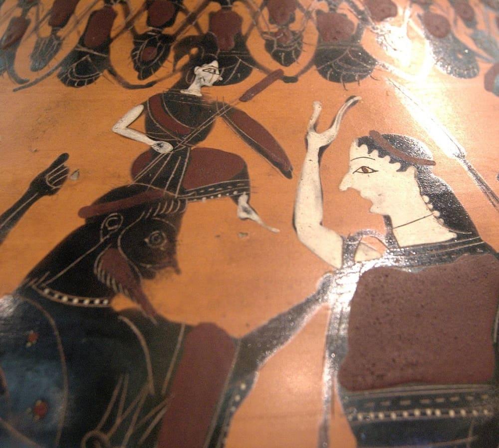 На античной амфоре изображено, как Илифия помогает Афине родиться из головы Зевса, между 550 и 525 годами до н.э. Местонахождение: Лувр, Париж, Франция