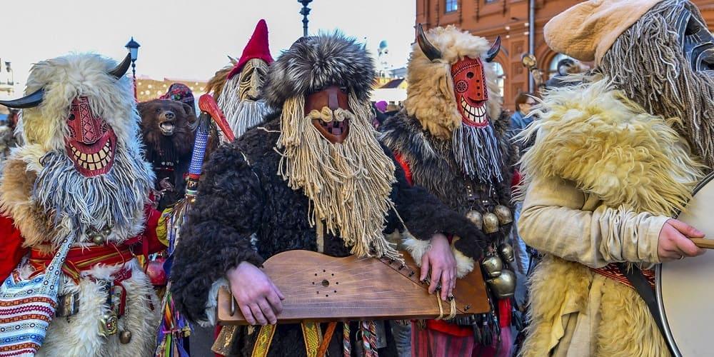 От людей в таких костюмах любая нечисть сбежит куда глаза глядят / nedelka-klin.ru