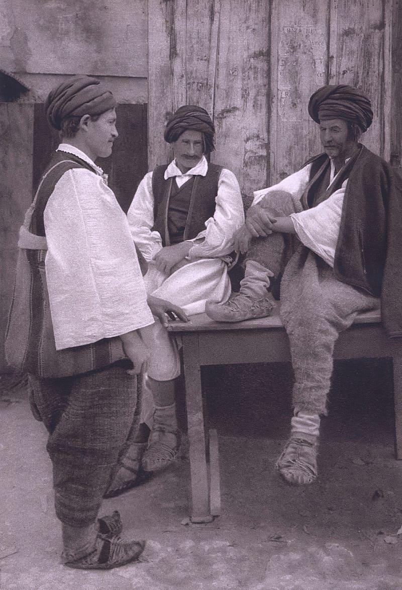 Сельские жители из района Травник, Босния / © Курт Хильшер, 1926 год