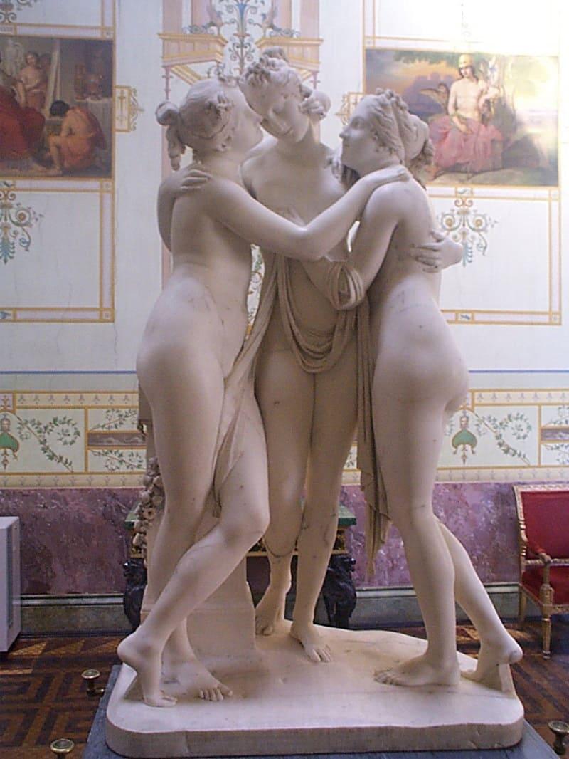 Согласно Каллимаху, хариты -дочери Илифии Антонио Канова «Три грации», ок. 1815 года Местонахождение: Эрмитаж, Санкт-Петербург, Россия