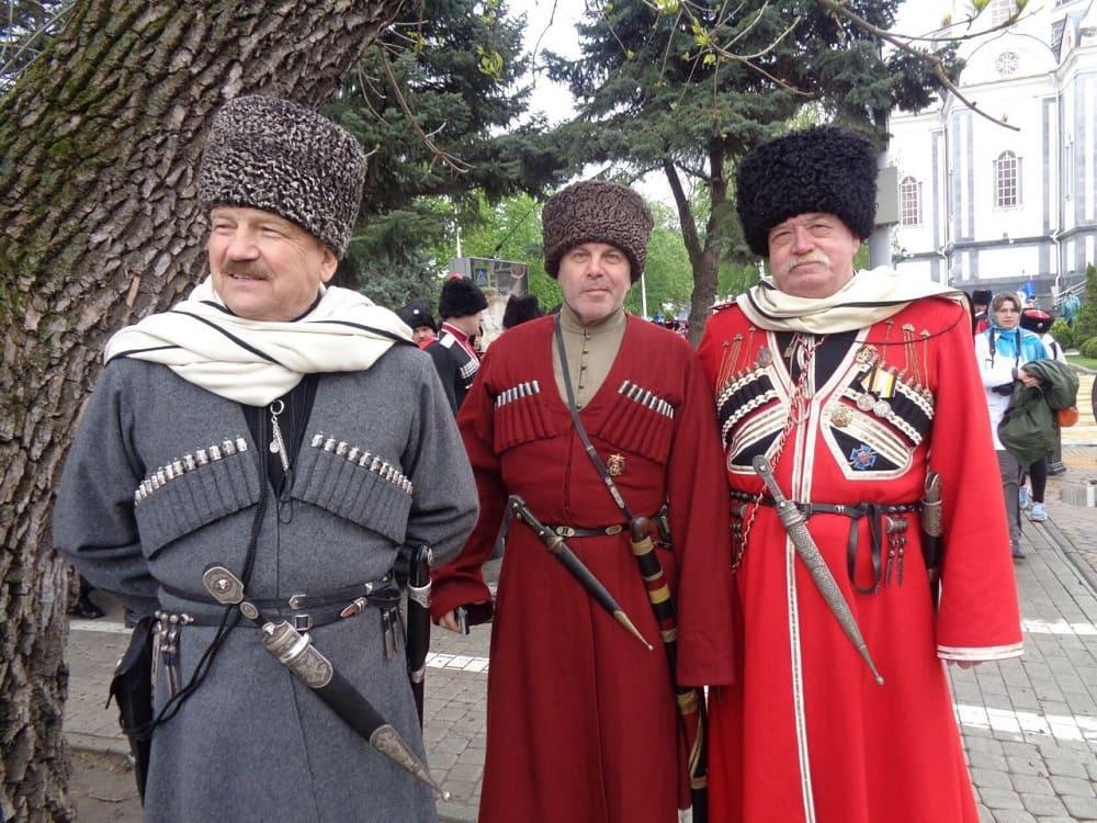 В казачьей одежде башлык - элемент совсем не лишний / светстаниц.рф