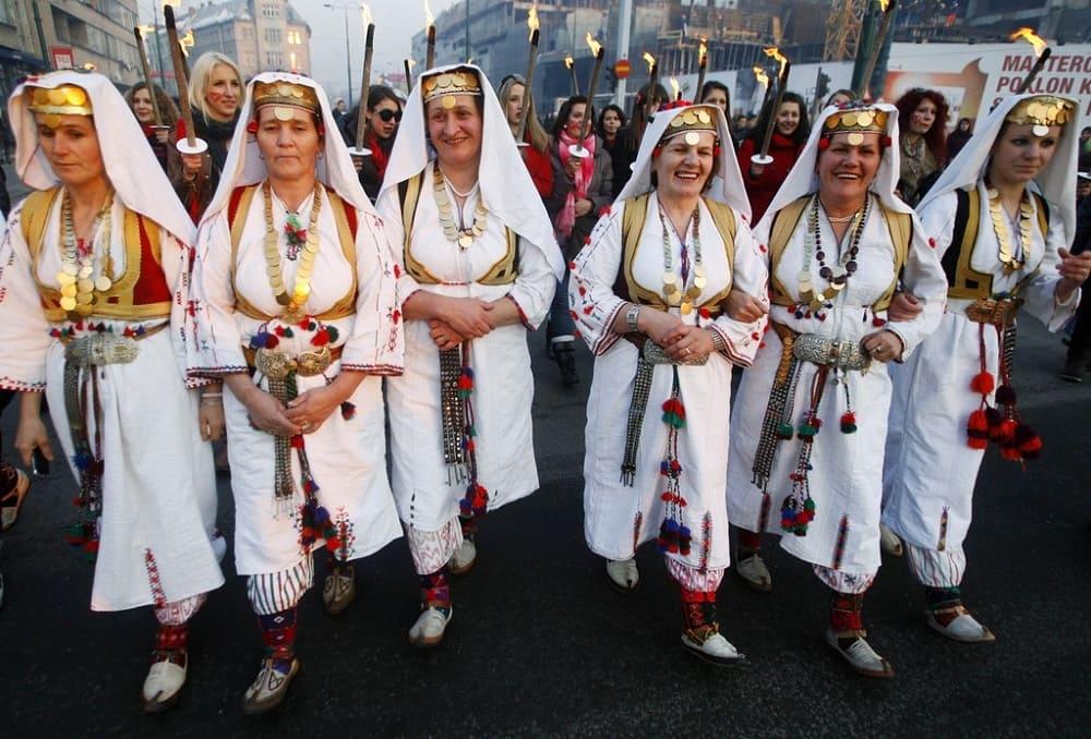Женщины в национальных костюмах, Сараево, Босния / fototelegraf.ru