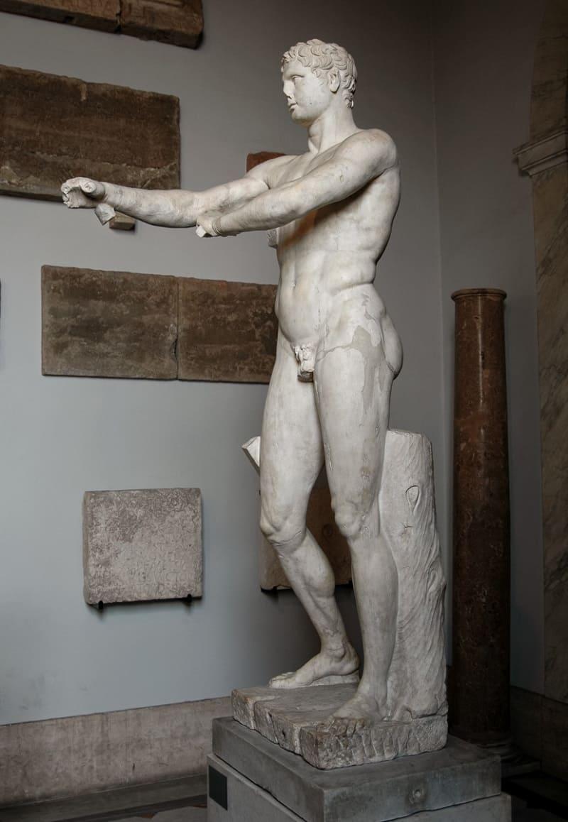 «Апоксиомен», римская копия I века н.э. с оригинала Лисиппа, 330 год до н.э.<br /> Местонаождение: Ватиканские музеи, Музей Пия-Климента, Рим, Италия