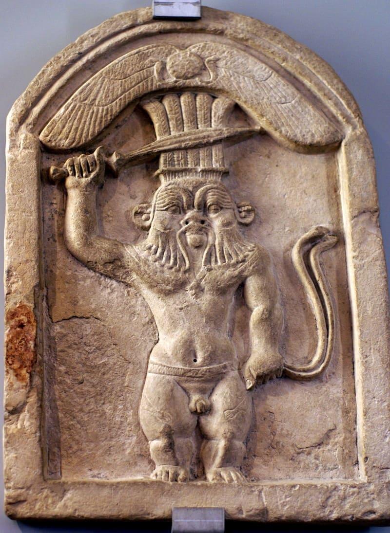 Бэс - это тот бог, который за всё хорошее и против всего плохого. Стела, I век до н.э. Местонахождение: Музей Барракко, Рим, Италия