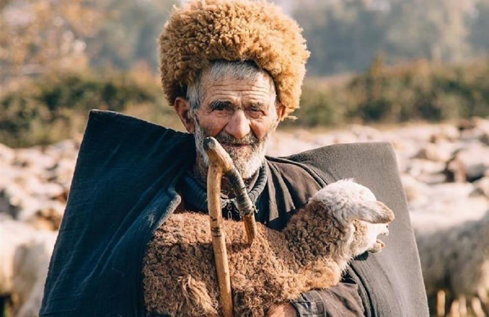 Чабан-талыш в бурке / © br.az / 123ru.net