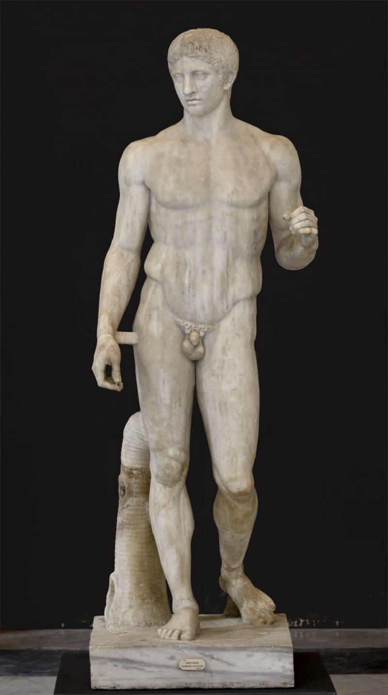 «Дорифор», римская копия с греческого оригинала Поликлета, V век до н.э. Местонахождение: Национальный археологический музей, Неаполь, Италия