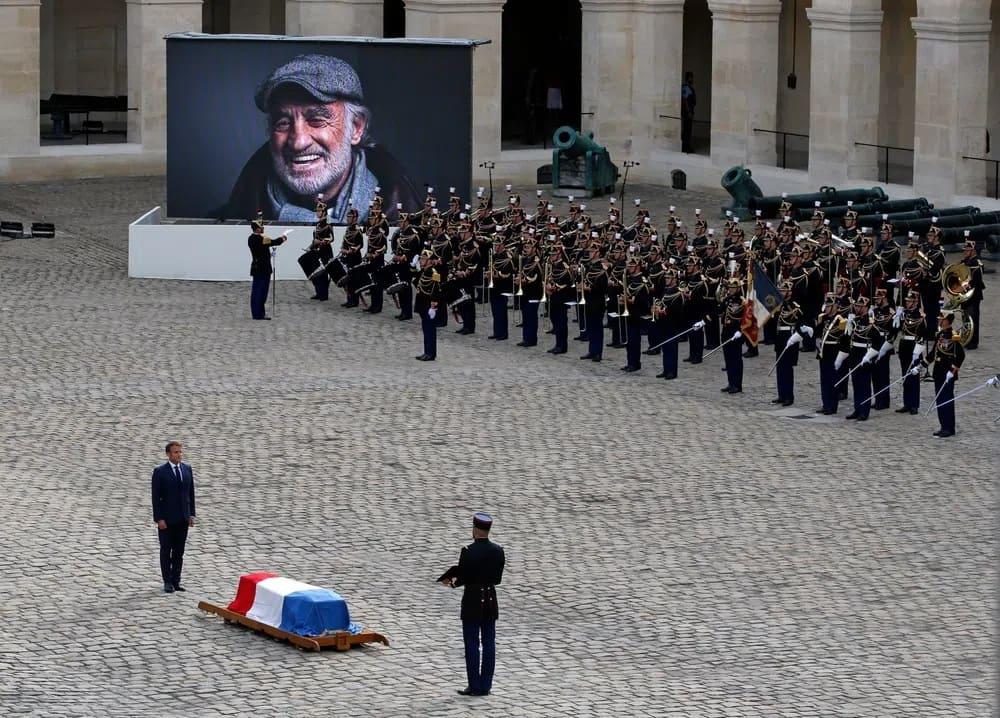 похороны Жана-Поля Бельмондо2