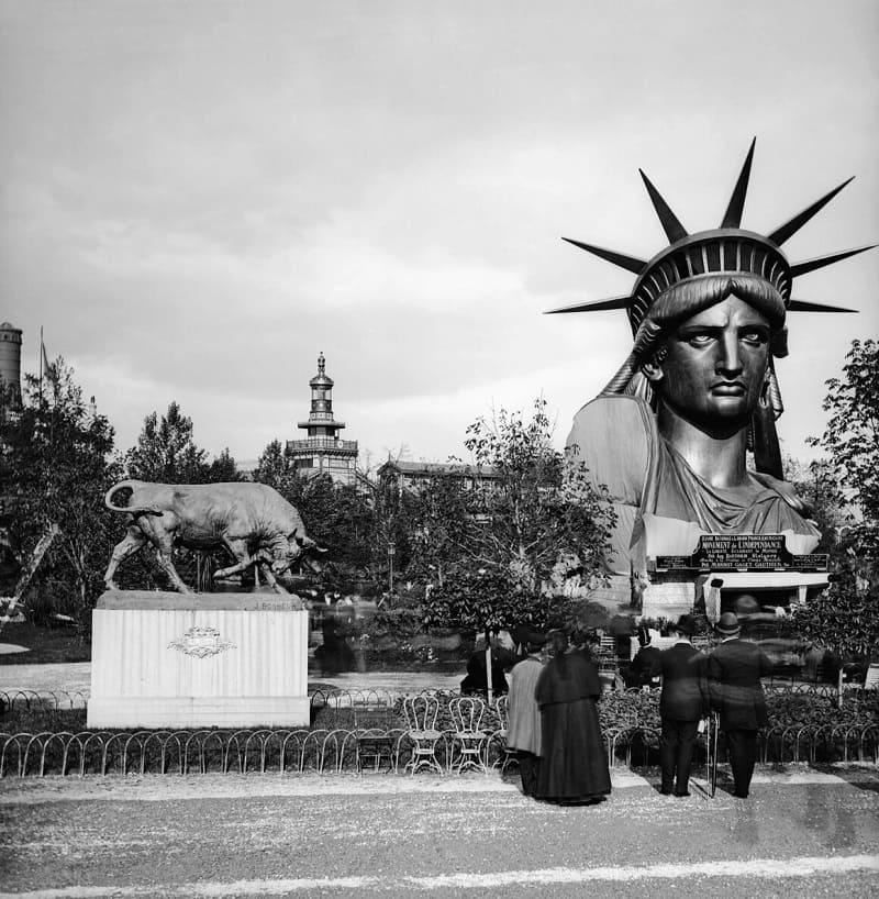 Голова Статуи Свободы на Международной выставке 1878 года в Париже / © Leon et Levy / Roger Viollet Getty images