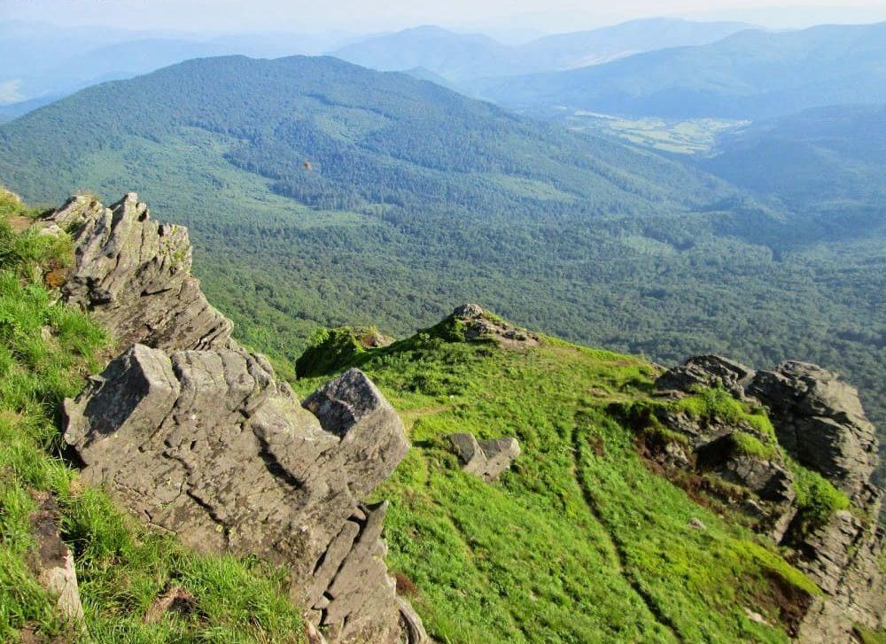 Говорят, что и сегодня у горы Пикуй бродит дух девушки, что сама разрушила своё счастье / velukuy.blogspot.com