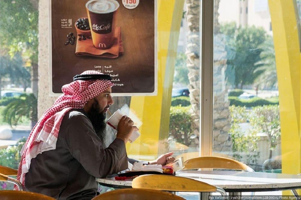 Кувейтцы не мыслят себя без кофе / © Илья Варламов / varlamovru.livejournal.com