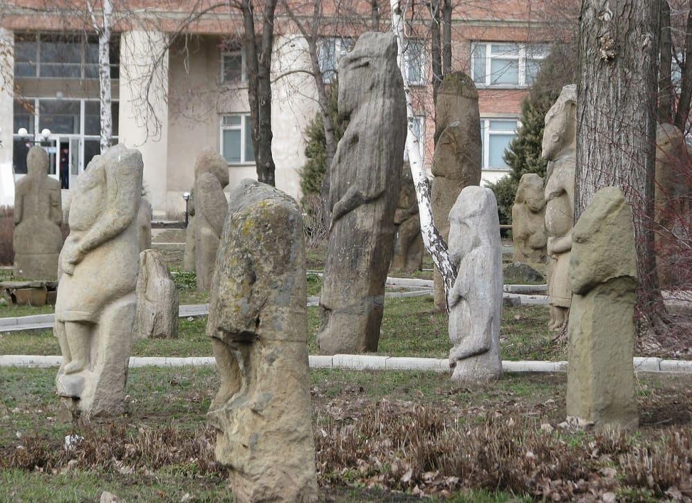 Парк-музей половецких баб, Луганск, ЛНР / © romka_lommy / romka-lommy.livejournal.com