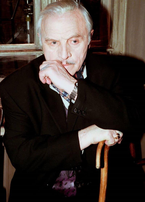 Последней крупной работой Михаила Ульянова в кино стала роль циничного вора в законе по кличке Отец в боевике «Антикиллер», 2002 год