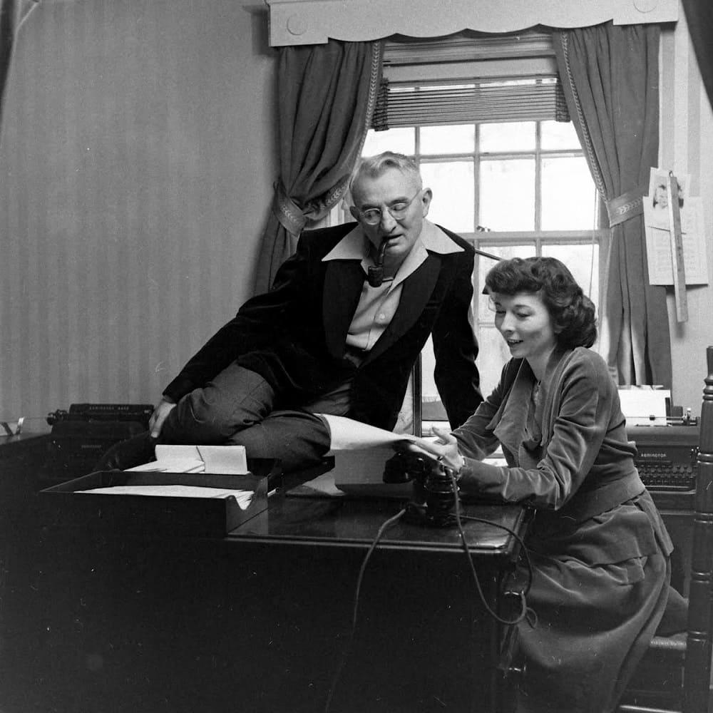 Вторая жена Карнеги Дороти Прайс Вандерпул стала его менеджером и владела большой частью его доходов