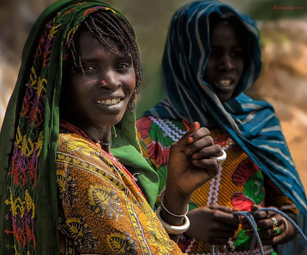 Женщины канури вовсе не выглядят угнетёнными и несчастными / © Irene Becker / flickr.com