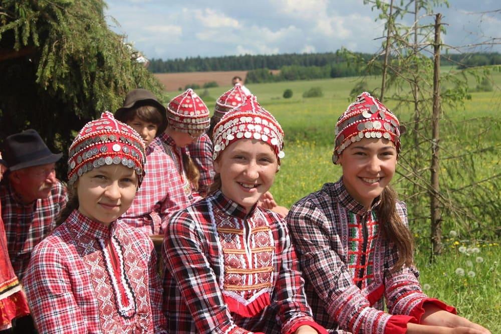 А это - будущее бесермянского народа, хранители традиций и культуры / ukam-gazeta.ru