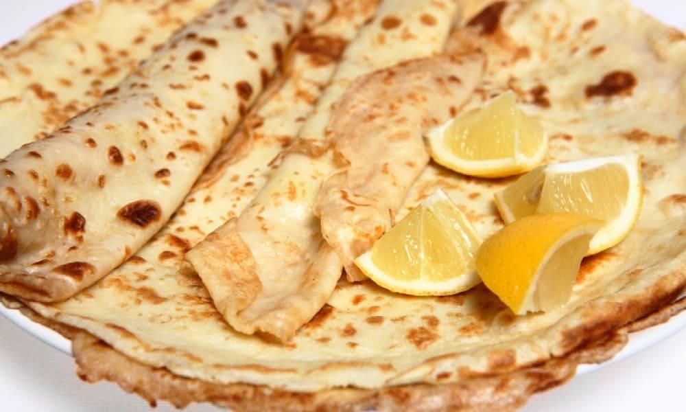 Жирный вторник в Англии, Ирландии или Канаде невозможно представить без блинчиков с лимонным соком / learnenglishteens.britishcouncil.org